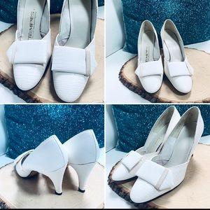 VINTAGE TEMPOS Are Contemporary White Heels Sz 6.5
